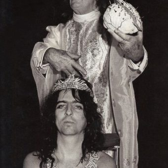 When Salvador Dali Made Alice Cooper's Brain From Ants And An Eclair (1973)