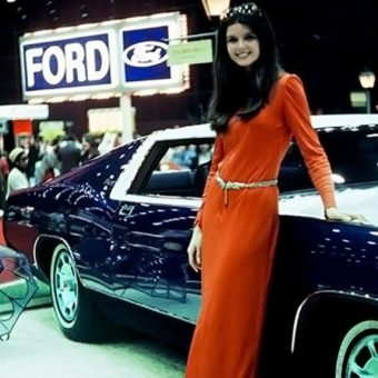 Sirens of Chrome: The Fabulous Models of Vintage Auto Shows