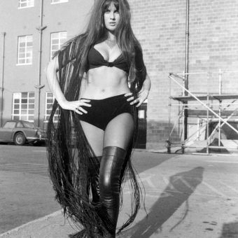 These Boots Were Made for Gawking: 45 Vintage Pics of Women in Boots